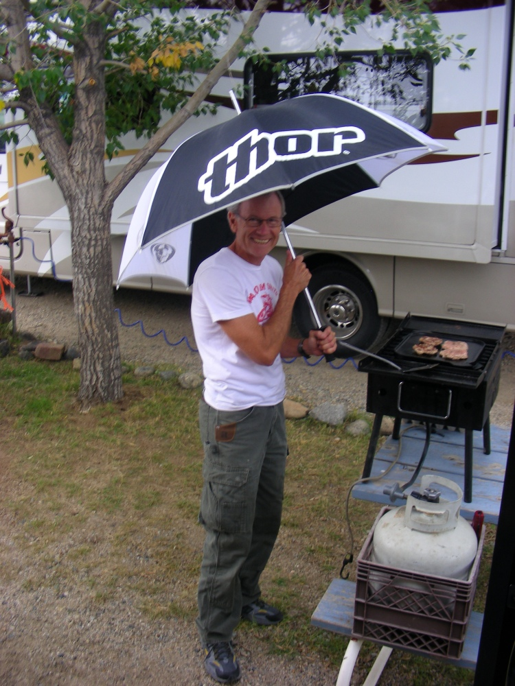 No matter what the weather, dinner must be cooked. Our campsite was cramped and they only had limited laundry, but on the bright they had out door sinks for doing dishes...