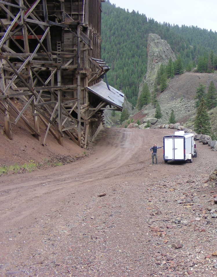 We talked to this lady in a shop and she told us about this 3 mile loop that would take you through old mining sites and back into town. Well, maybe if it had not been raining, maybe if I would have had 4 wheel drive, maybe, but not today. We got stuck twice and had to back down, great fun!